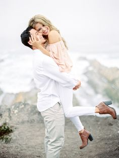 Photo shoot that ended in a happy proposal! http://www.stylemepretty.com/2016/12/27/california-cliffside-proposal/ Photography: Lucy Munoz - http://www.lucymunozphotography.com/