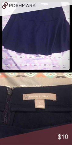 Banana republic skirt 8 Only flaw is an H written on the tag. Banana Republic Skirts A-Line or Full