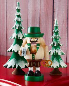 -56TD GLAESSER Bavarian Nutcracker & Frosted Trees