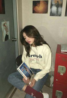 cute girl ulzzang 얼짱 hot fit pretty kawaii adorable beautiful korean japanese asian soft grunge aesthetic 女 女の子 g e o r g i a n a : 人 Ulzzang Korean Girl, Cute Korean Girl, Asian Girl, Asian Fashion, Trendy Fashion, Fashion Models, Style Outfits, Cute Outfits, Fashion Outfits