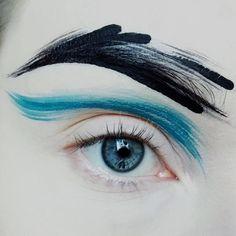 Waves 🌊 Nothing but Sea nymph & Grease hydra liners Makeup Inspo, Makeup Art, Makeup Inspiration, Beauty Makeup, Eye Makeup, Hair Makeup, Runway Makeup, Suva Beauty, Extreme Makeup