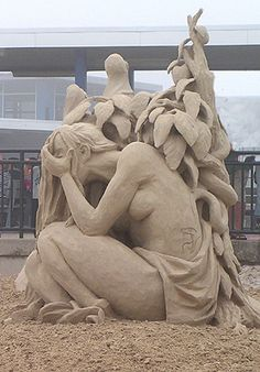 Hampton Beach, New Hampshire - Annual Sandcastle Competition Photo Gallery - Sand Castle Sculpting New England USA Snow Sculptures, Sculpture Art, Sand Play, Hampton Beach, Ice Art, Snow Art, Grain Of Sand, Beach Scenes, Land Art