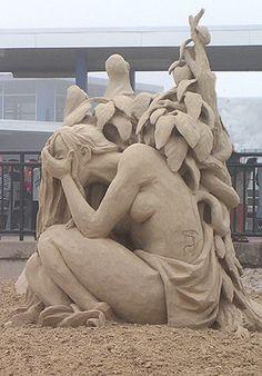 Hampton Beach, New Hampshire - Annual Sandcastle Competition Photo Gallery - Sand Castle Sculpting New England USA Snow Sculptures, Sculpture Art, Hampton Beach, Sand Play, Ice Art, Snow Art, Grain Of Sand, Sand And Water, Land Art
