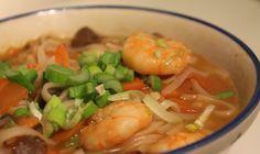 Jeg kan godt lide det orientalske køkken, men praktiserer det desværre ikke så meget for tiden. Jeg er lidt en frossenpind, så forleden hvor jeg synes det var bidende koldt lavede jeg denne suppe, ...