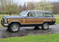 Navy blue '89 Wagoneer for sale in Missouri.