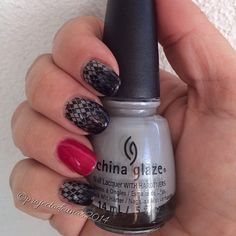 Raspberry wine and Tag me taube from @sensationailsuomi, gradient with Gina tricot black and @chinaglazeofficial Pelican gray. Stamping with Konad plate m60 and Essence black stampypolish