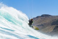 Roderick Pijls, professional kitesurfer, dreams of travelling to Alaska and of snowboarding in Patagonia. Get to know this kitesurfing world traveller. In Patagonia, Alaska Travel, Kitesurfing, Snowboarding, Athlete, Adventure, Mountains, World, Snow Board