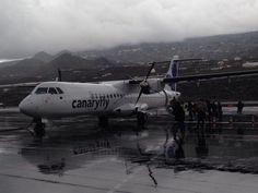Canaryfly ATR72 - EC GRP - Imagen de Montse Delgado @PetitsViatgers . Aeropuerto de La Palma.