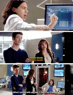 Yesss Barry Caitlin and Cisco know who is the best hacker in the world!!! Felicity Smoak!!! The Flash 2x12