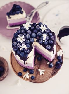 no bake ombre curd cheesecake with blueberries