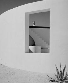 """arturpastor: """" Artur Pastor. Arquitetura, Motivos do Sul. Décadas de 50 a 60. Armação de Pêra. """" As fotografias mais visto no Tumblr Artur Pastor, em cada mês de 2015. Agosto de 2015."""