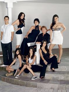 New trending story from People : We're Keeping Up with the Kardashians: See Kim, Kourtney, Khloé and the Whole Kardashian-Jenner Crew – Then & Now. Familia Kardashian, Kardashian Family, Kardashian Style, Kardashian Jenner, Kourtney Kardashian, Kardashian Fashion, Kris Jenner, Kendall Jenner, Bruce Jenner