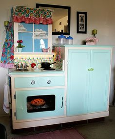small entertainment center repurposed into a cute Play Kitchen ~ check out all the photos and details. This revives my Creative Mind Award. Best Play Kitchen, Diy Kids Kitchen, Play Kitchens, Kitchen Ideas, Toddler Kitchen, Small Entertainment Center, Entertainment Room, Decoration Ikea, Kid Decor