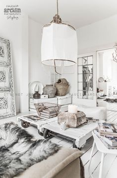 Rustic, urban Scandinavian home decor. Are you looking to buy or sell a home in the beautiful Okanagan Valley … Interior Bohemio, Living Room Designs, Living Spaces, Living Rooms, Deco Boheme, White Rooms, Scandinavian Home, Home And Deco, My New Room