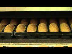 ▶ Volledig broodproces in de bakkerij - YouTube
