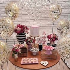 Learn the best Ideas to decorate a Party for a 20 year old woman through proposals: You deserve what you Dream, so do not hesitate to celebrate the best 40th Birthday Parties, 20th Birthday, Birthday Woman, Happy Birthday, Birthday Table Decorations, Its My Bday, Fiesta Party, Ladies Party, Holidays And Events