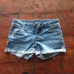 Delia's Denim Shorts Fits TTS in great condition, no flaws! Delias Shorts Jean Shorts