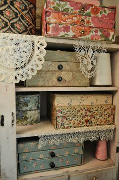 Faith, Grace, and Crafts: storage boxes with little drawers. Art Studio Storage, Craft Room Storage, Storage Boxes, Fabric Covered Boxes, Fabric Boxes, New Crafts, Sewing Crafts, Small Craft Rooms, Space Crafts