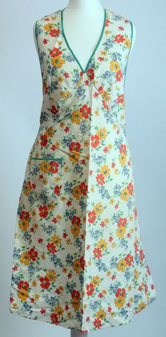 Original Vintage 1940 s Pinafore, Pinny, Overall, Apron