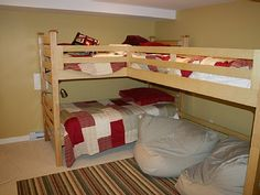 Triple bunk bed for kid's room!