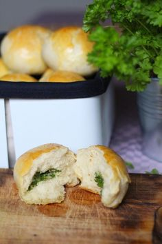 Kuch.com.pl: BUŁECZKI ZIOŁOWO-CZOSNKOWE Hamburger, Bread, Food, Brot, Essen, Baking, Burgers, Meals, Breads