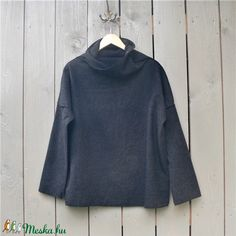 Gyapjúfelső (zsiemankaje) - Meska.hu Turtle Neck, Sweatshirts, Sweaters, Fashion, Moda, Fashion Styles, Trainers, Sweater, Sweatshirt