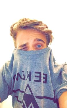 And this is one of my favourite youtubers. I proudly chose the sugg lyfe (: