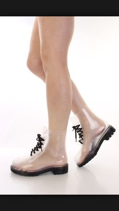 These are so cool love them!<3 Clear Shoes, Doc Martens, Kitten Heels, Oxford Shoes, Fashion, Moda, Fashion Styles, Fashion Illustrations