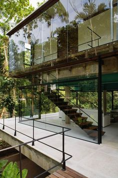 Iporanga House by Nitsche Arquitetos Associados. Glass house - my dream house. Architecture Résidentielle, Beautiful Architecture, Contemporary Architecture, Installation Architecture, Contemporary Houses, Sustainable Architecture, Glass Installation, Modern Houses, Contemporary Interior
