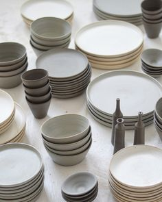 Earthenware, Stoneware, Farmhouse Pottery, Kitchenware, Tableware, Dinner Sets, Ceramic Art, Home Crafts, Kitchen Dining