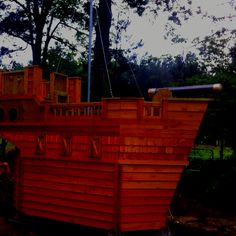 Pirate ship playhouse since boys love pirates and a pink playhouse doesn't fit in my life!!
