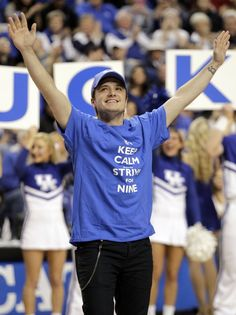 "Josh au ""College Basketball Game: Louisville VS Kentucky"" (28-12-2013). Part 1."