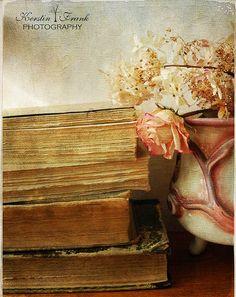 .. books .. | Flickr - Photo Sharing!