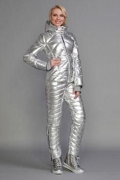 Shiny nylon sportswear and rainwear blog: Padded silver ski suit