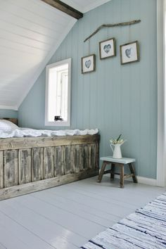 Mias Interiør / New Room Interior / Interiørkonsulent Maria Rasmussen: Endelig! Wood Paneling Makeover, Painting Wood Paneling, Painted Wood Floors, Painted Panelling, Home Renovation, Home Remodeling, Home Bedroom, Bedroom Decor, Room Interior