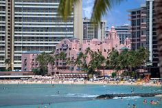 Royal Hawaiian Hotel, Oldie but a goodie, best place to relax and have a Mai Tai!