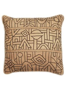 zee-square-vintage-african-cushion-with-geometrical-design-in-beige-and-black-with-beige-back.jpg