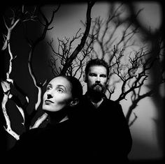 Dead Can dance. English-Australian musical project formed by Lisa Gerrard and Brendan Perry. Neoclassical dark wave, world music, ethereal wave, art rock.