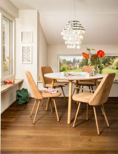 Micasa Esszimmer mit Esstisch VIOTTI und Stühle FIORELLI Dining Table, Architecture, Inspiration, Furniture, Home Decor, Home Decoration, Tables, Dinner Table, Dining Rooms