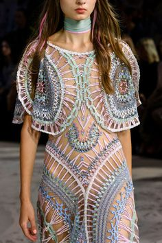 Trendy Beachwear for the Summer Temperley London at London Fashion Week Spring 2017 – Details Runway Photos Discovred by : Azza Shesheny Fashion 2017, Runway Fashion, Boho Fashion, High Fashion, Womens Fashion, London Fashion, Fashion Weeks, Style Haute Couture, Couture Fashion