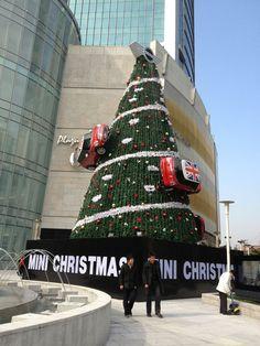 Its a Mini Christmas tree! | #minicooper #christmas #design #art
