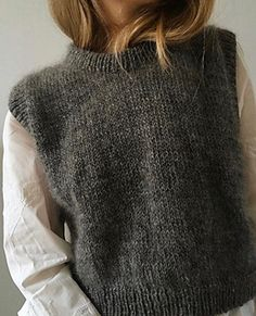 Ravelry: Vest No. 1 pattern by My Favourite Things Knit Fashion, Look Fashion, Fashion Outfits, Skandinavian Fashion, Knit Vest Pattern, Looks Vintage, Mode Inspiration, Crochet Clothes, Autumn Winter Fashion