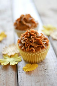 Pumpkin Pie Cupcakes... I will probably cheat and not make the cake layer from scratch ;)