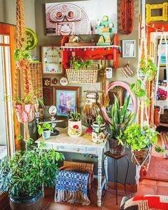 98 Beautiful Bohemian Living Room Decor Ideas 76 ~ Top Home Design Diy Home Decor Rustic, Diy Home Decor On A Budget, Decorating On A Budget, Cheap Home Decor, Interior Decorating, Décor Boho, Bohemian Living, Bohemian Decor, Modern Bohemian