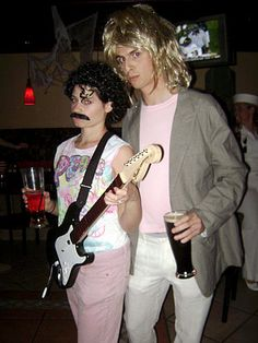 Hall and Oates Costume Idea! http://www.liketotally80s.com/2014/10/80s-costume-hall-oates/