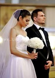 Znalezione obrazy dla zapytania piwonie bukiety ślubne