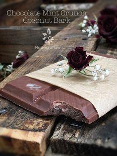 (FREE) Chocolate Mint Crunch Coconut Bark (raw, vegan, gluten-free, nut-free, sugar-free)