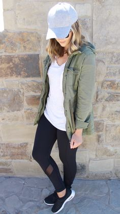 Fall athleisure is a totally acceptable style in college. Be comfy and cute and ready to go.