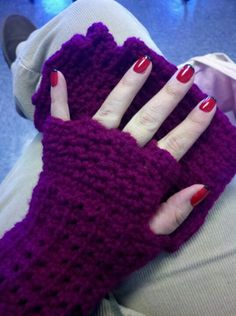 Fingerless crocheted gloves