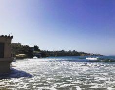 La Jolla 🌊🌴 • • • #justgoshoot #iphoneonly #thisview #sandiego #sdlife #sdliving #socal #cali #california #calilove #californialove #lajolla #bestofsandiego #visitsd #waves #tide #beach #beachlife #beachbum #monday #vibes #mood #sun #funandsun #october #endlesssummer #skyline #lajollashores #lajollalocals #sandiegoconnection #sdlocals - posted by Hunter Hopkins  https://www.instagram.com/hunthops. See more post on La Jolla at http://LaJollaLocals.com